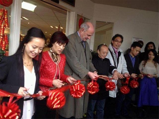 Opening Mei Mie